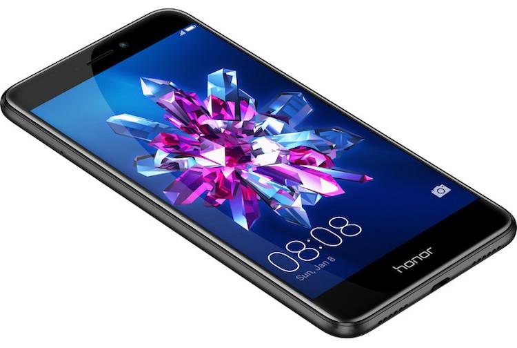 Предварительный обзор Huawei Honor 8 Lite. Очень вкусная новинка