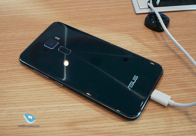 Mobile-review.com Computex 2016. Asus ZenFone 3