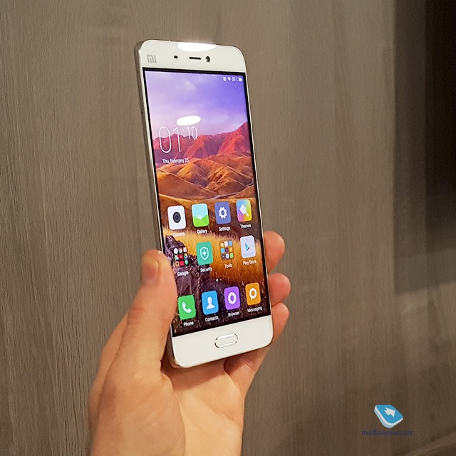 Mobile-review.com MWC 2016. Xiaomi Mi5