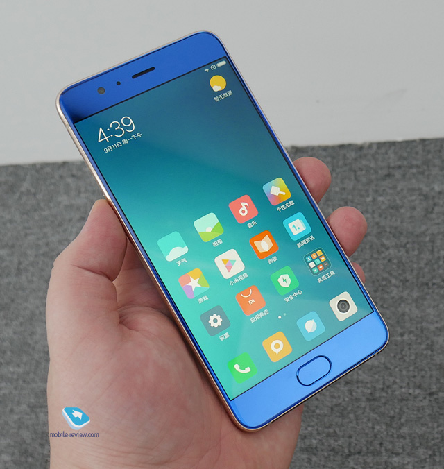 Mobile-review.com Xiaomi Mi Note 3. Первый взгляд
