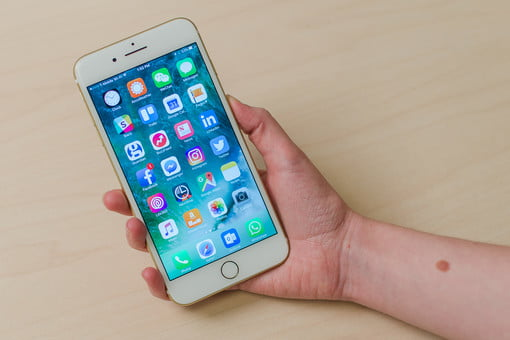 iPhone 7 Plus Review: The Great Headphone Jack Debate | Digital Trends