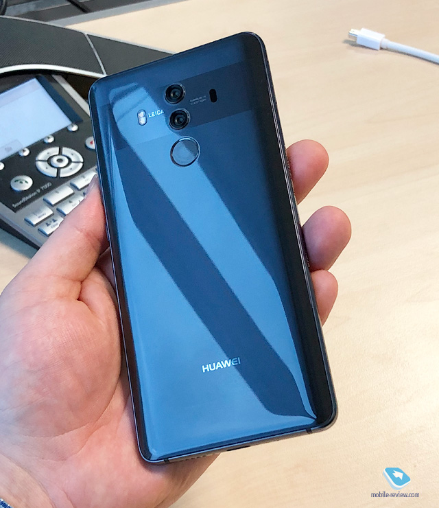 Mobile-review.com Знакомство с Huawei Mate 10 Pro
