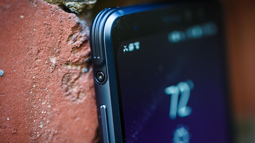 Samsung Galaxy S8 Active review: 24 hours of battery life - CNET