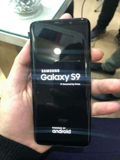 Samsung Galaxy S9 live images leaked, tipped to be launched