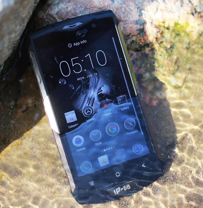 Смартфон Blackview BV8000 Pro получил защищенное исполнение, 6 ГБ