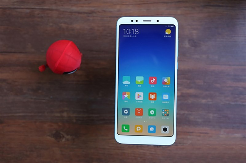 Обзор Xiaomi Redmi 5 Plus: бюджетник с безрамочным дисплеем