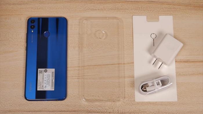 Обзор Huawei Honor 8X - недорогой и мощный фаблет!
