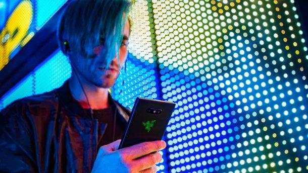 Razer Phone 2: характеристики, обзор, фото игрового флагмана