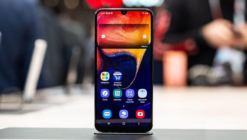 Обзор Samsung Galaxy A30: плюсы и минусы. Стоит ли его покупать?