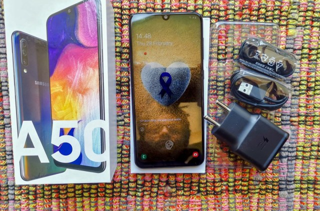 Samsung Galaxy A50 Review with Pros and Cons - Smartprix