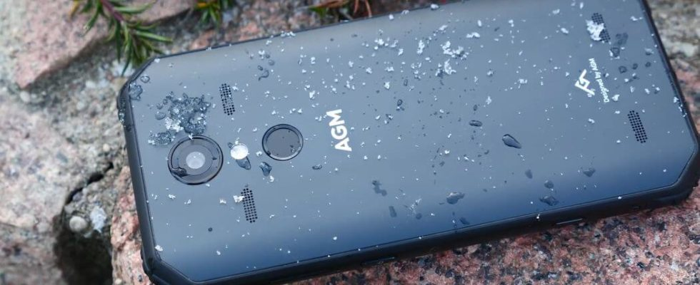 AGM A9 Review: Powerful Sound and Decent Camera Rugged Phone
