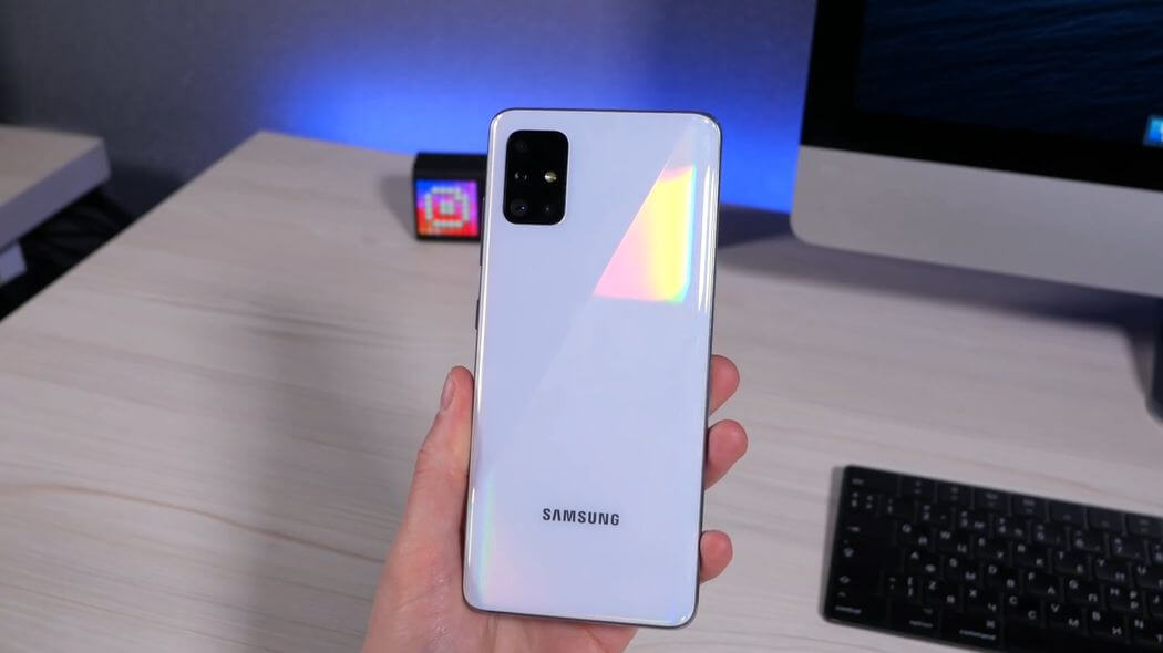 Samsung Galaxy A51 Hands-On: Infinity-O & 48 Megapixel Camera