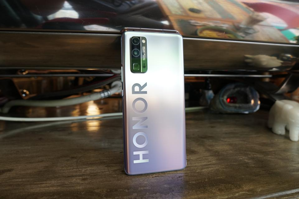 Honor 30 Pro Plus Review: The Most Premium Hardware At Its $550