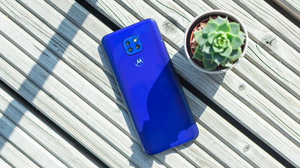 Motorola Moto G9 Play review: Should you pay for Play? | Expert