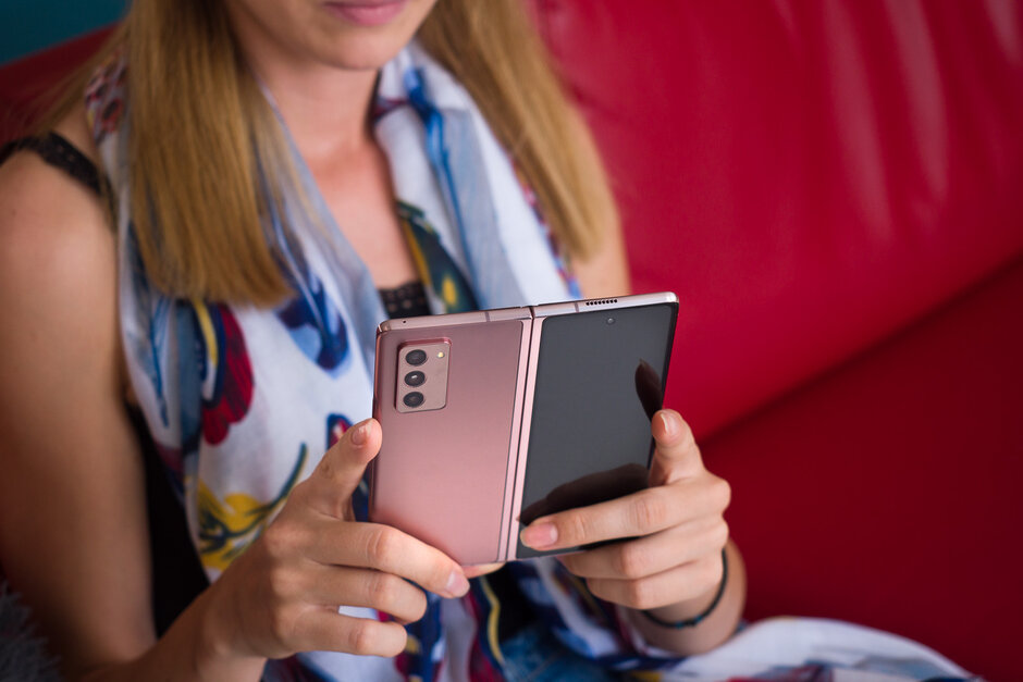 Samsung Galaxy Z Fold 2 5G review: the cool Communicator - PhoneArena