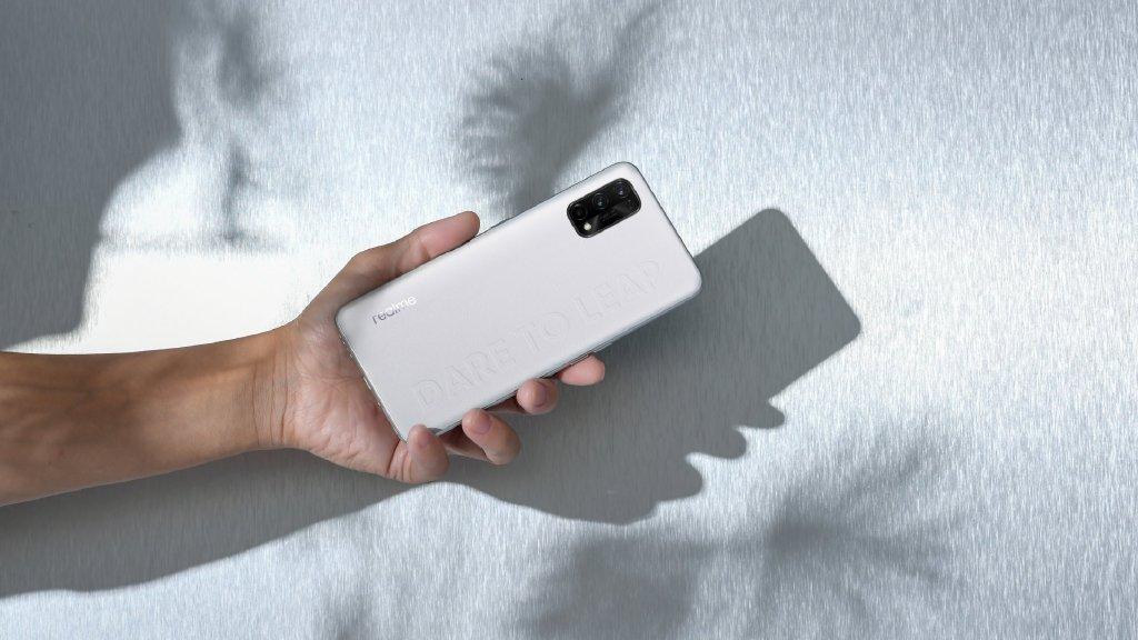 realme Q2 Pro评测:千元素皮机亮剑双十一_手机评测_安兔兔