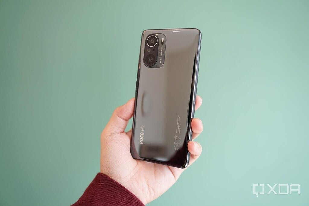 POCO F3 Hands-On: Flagship-level haptics and screen for a whole